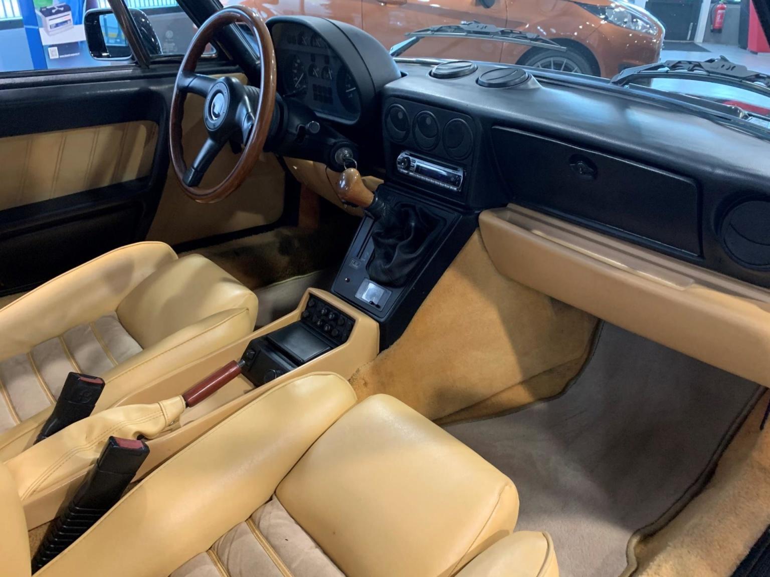 Alfa Romeo-Spider-16