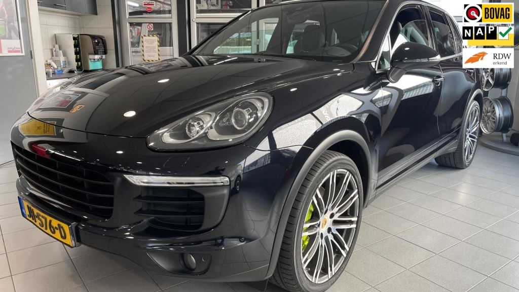 Porsche-Cayenne-thumb